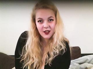 GoddessAlexandreaPliff Talks Dirty On Webcam