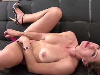 Miss Trixie Is An Exhibitionist - Miss Trixie