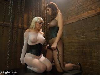 Milftastic Anal Sluts: Mikki Lynn and Syren de Mer