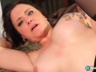 Vivian Piper in Anal-crazy Milf