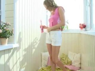 Teen Dreams > Darya Video