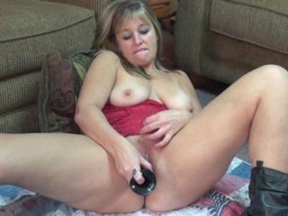 Curvy blonde housewife Liisa in black boots and fu