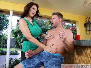 My Friend\'s Hot Mom - Charlee Chase & Levi Cash