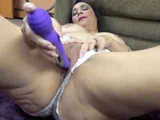 Curvy housewife Alesia Pleasure in silky lingerie