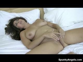 Mai Ly Naked In Bed