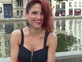 La jolie Nikki de Roumanie rêve de devenir porno s