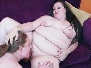 Horny BBW Menoly Gets Her Pussy Eaten