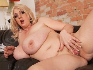Huge Tits Tight Tops
