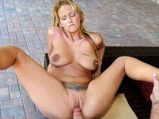 Fucking hot blonde fucked pool side in her little
