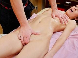 Super hot pussy massage movie