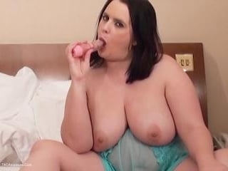 Sarah Janes Solo Playtime Pt2