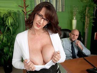 Secretary\'s Lunch Hour