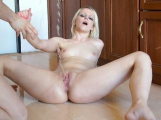 Peeonher - Daily Routine - Pissing Inside Pussy