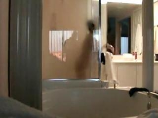Harinders hot shower