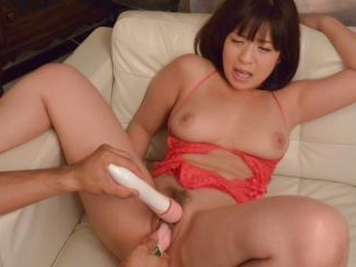Wakaba Onoue shows off her pink pussy in raw solo