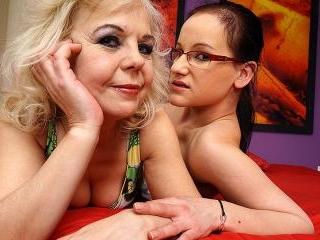 Lesbian-Alex332