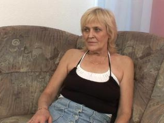 Cock hungry blonde granny gives blowjob