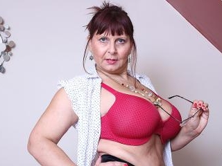 Big breasted British mature lady getting very dirt