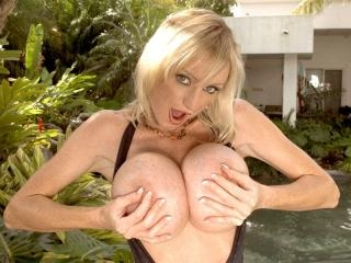 Last call for huge boobs
