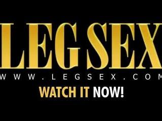Simone Ray on LegSex.com