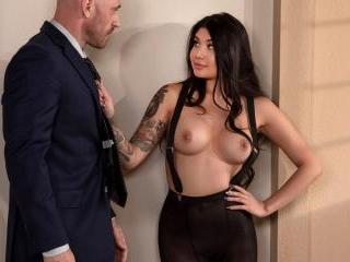 Banging My Boss\'s Daughter