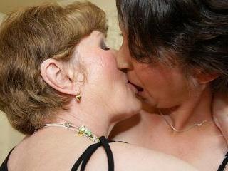 Lesbian-Alex75