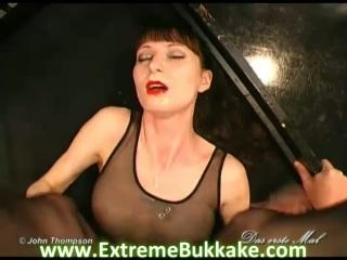 Leonie\'s 1. Bukkake story