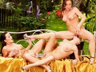Silvia And Friends Hot Outdoors Threesome