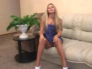 Teen Dreams > Lynne Video