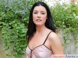 Housewife 1 on 1 - India Summer & Billy Glide