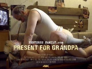 Present for Grandpa - Trailer