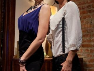 Maitresse Madeline cuckolds her boyfriend with a w