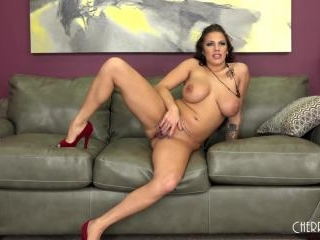 Busty Lylith LaVey Fucked LIVE