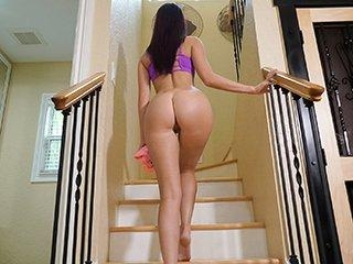 Satisfy Your Stepdaughter