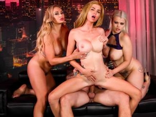 Crazy 4-way with girls & lucky guy concluded with