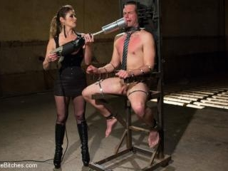 4 Rules Of A Dominatrix Dungeon With The Fleshligh