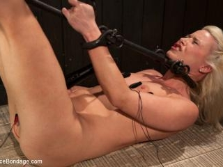 Hot Blonde Anikka Albright\'s FIRST BONDAGE SHOOT E