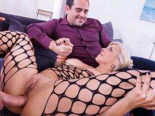 Milf Nikyta Enjoys Hard Anal While Her Husband Wat