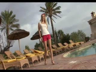 Teen Dreams > Veronika Video