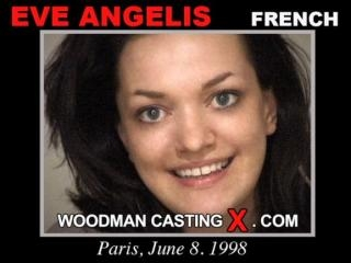 Elle Angelis casting