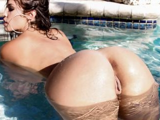 Cum Splash All Over Kelsi Monroe\'s Ass