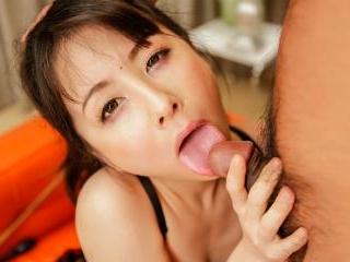 Huge vibrator getting Ayumi Iwasa to orgamsic poin