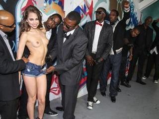 Riley Reid - Interracial Blowbang