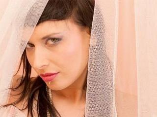 Amel Annoga  : Brunette French babe masturbating w
