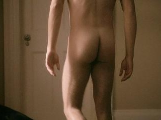 Ryan gives us a good look at his sweet ass as he r
