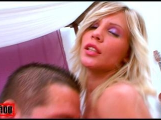 EXPLOSIVE BABE SUCKING AND FUCKING A BIG COCK