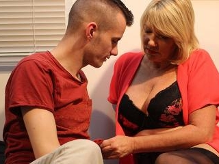 British mature Amy is getting a good fuck from her