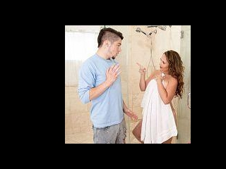 Brandii takes a shower with her son\'s best friend