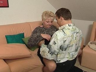 Sexy short haired mature want to be fucked