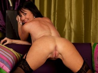 Elise Summers in Couch Leg Spread